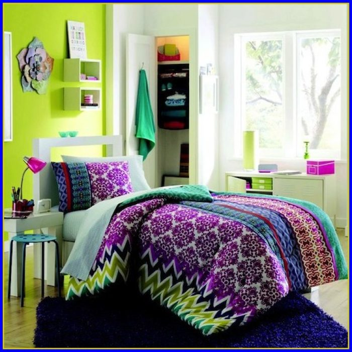 College Dorm Bedding Ideas