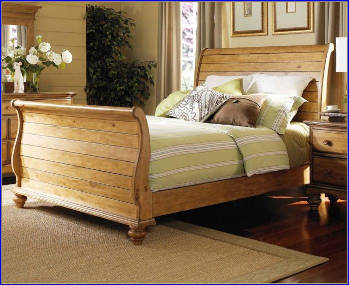 King Sleigh Bed Black