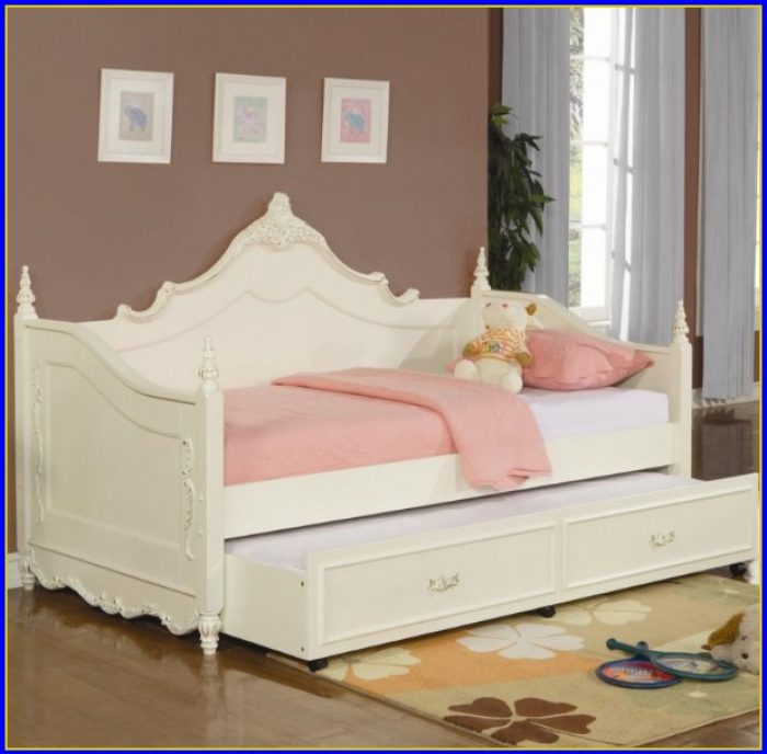 Upholstered King Bedroom Set