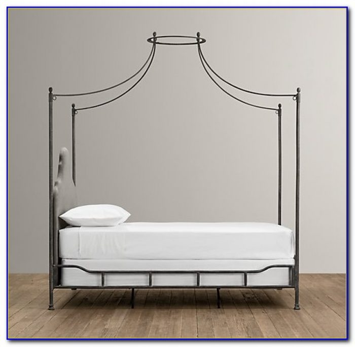 Iron Canopy Bed King