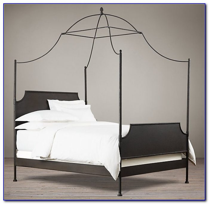Iron Canopy Bed Queen