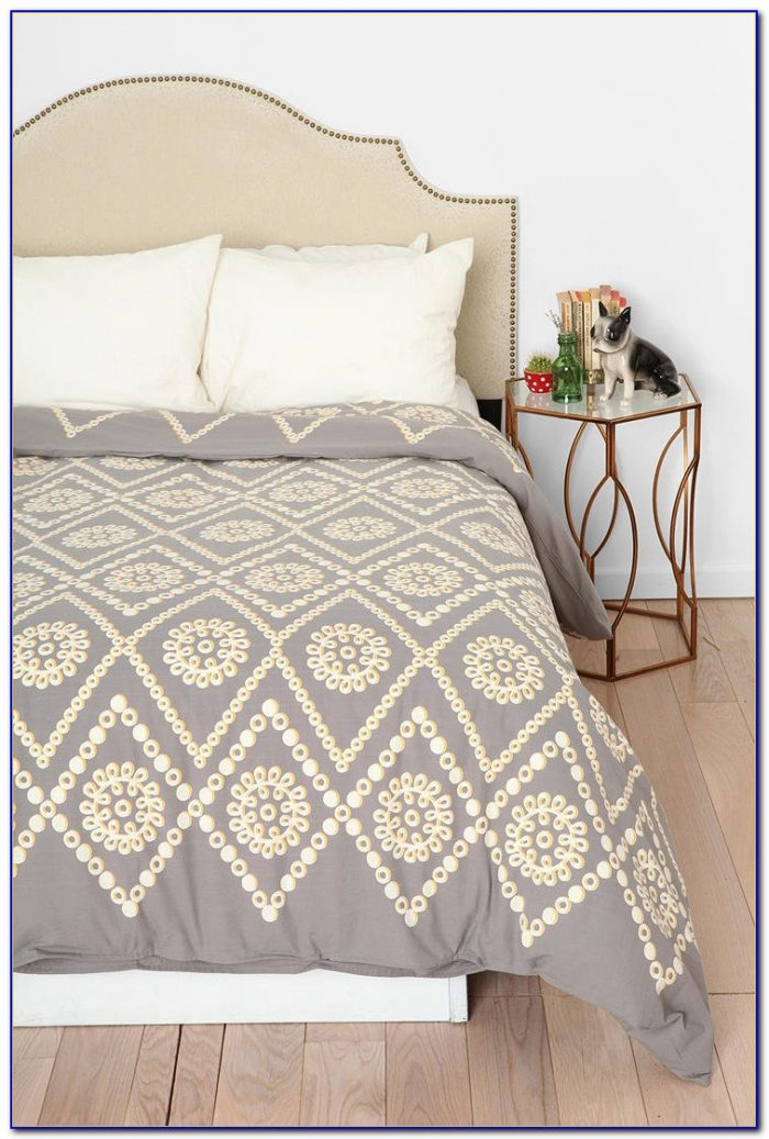 Plum And Bow Ruffle Bedding