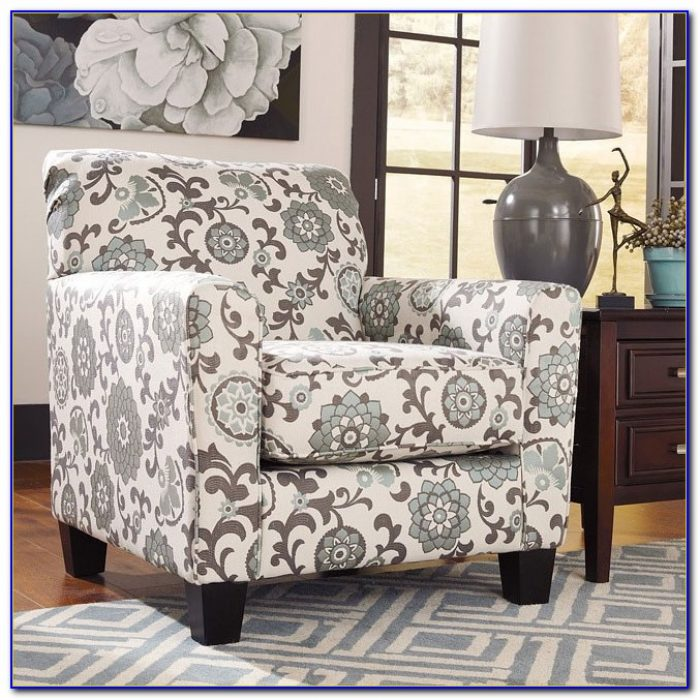 Ashley Furniture Showood Accent Chair