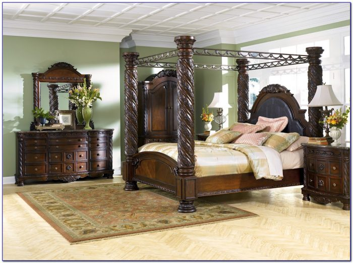 North Shore Furniture Bed