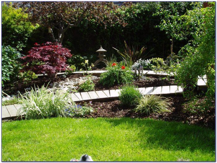 Suburban Lawn And Garden Rock