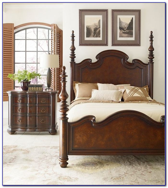 Thomasville Bedroom Furniture Armoire