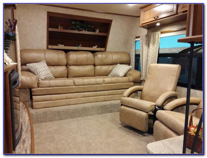 Front Living Room Fifth Wheel 2016