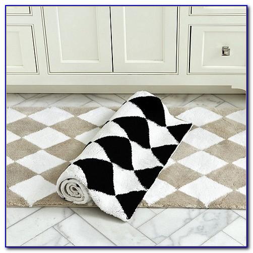Black And White Checkered Round Rug