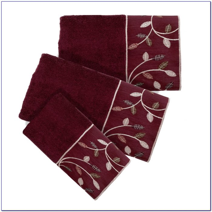 Burgundy Bathroom Rug Set