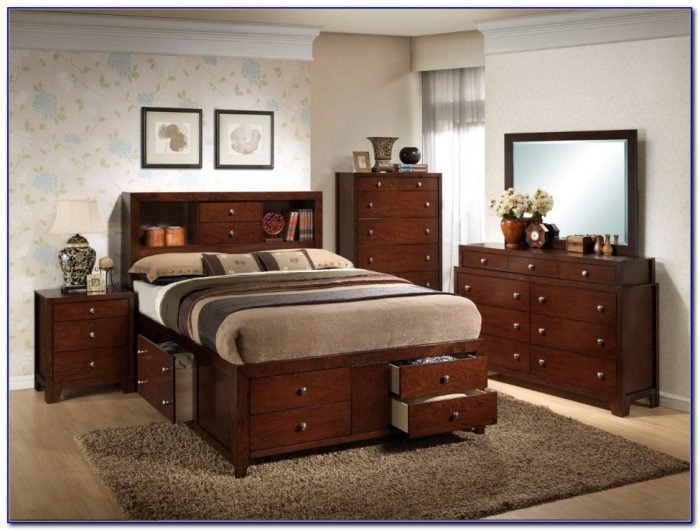 Thomasville Cherry Wood Bedroom Set