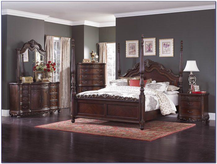 4 Post Queen Bedroom Sets