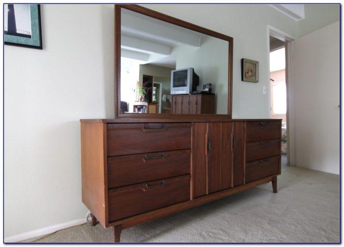 Lane Mid Century Modern Bedroom Furniture