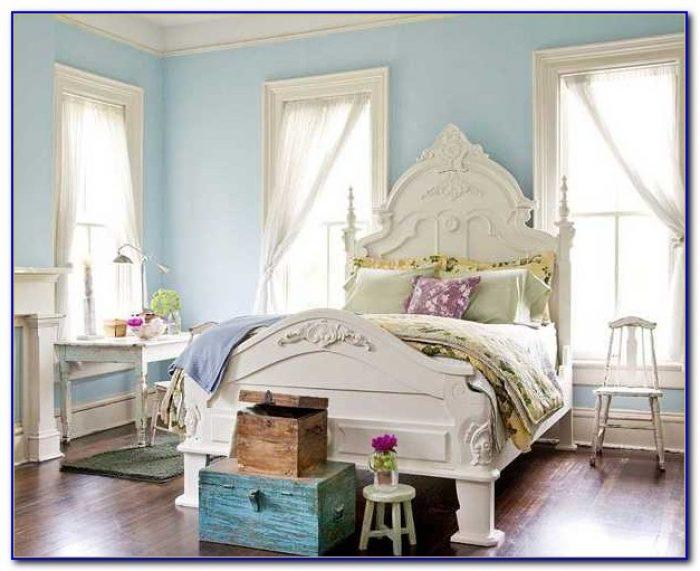 Light Blue Room Decor