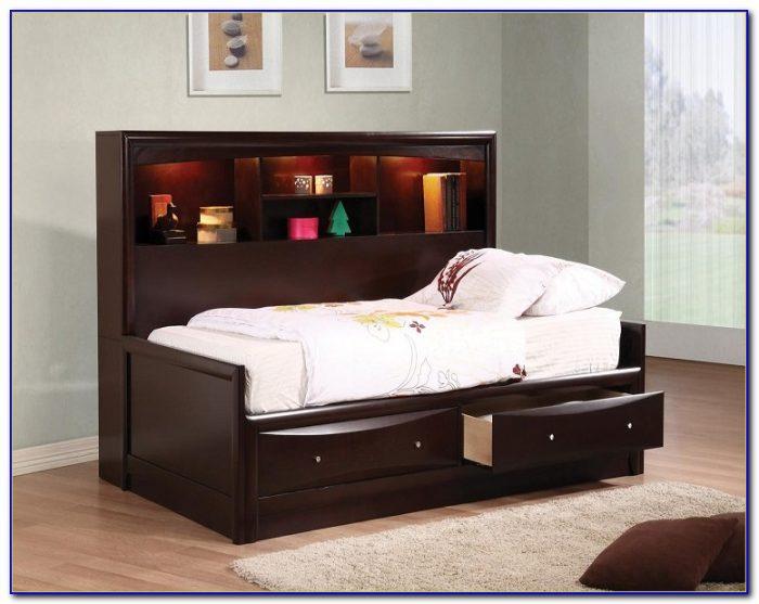 Phoenix Collection Bedroom Set
