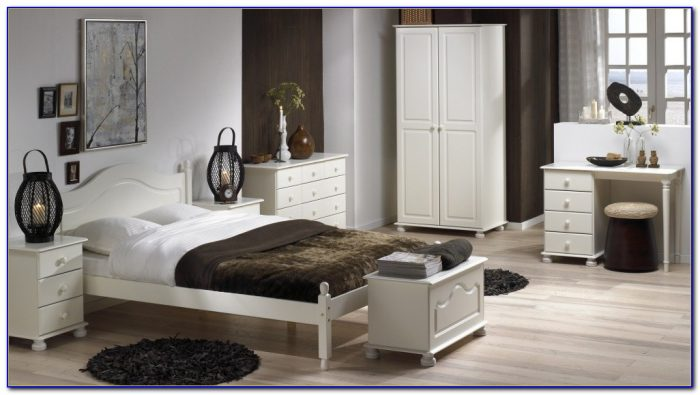 Richmond White Or Black Bedroom Furniture By Debonaire Furniture