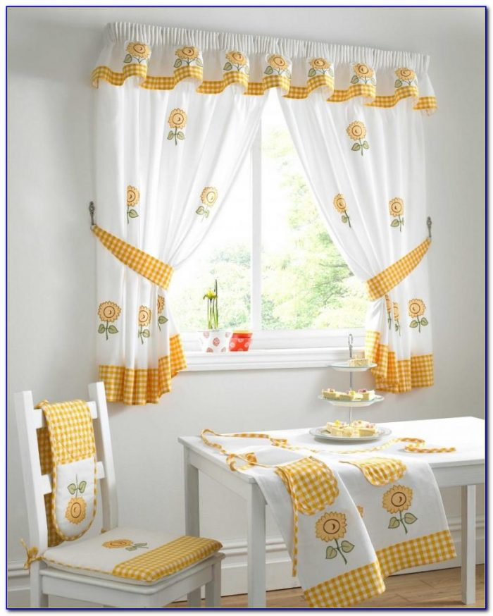 Small Bedroom Window Treatments