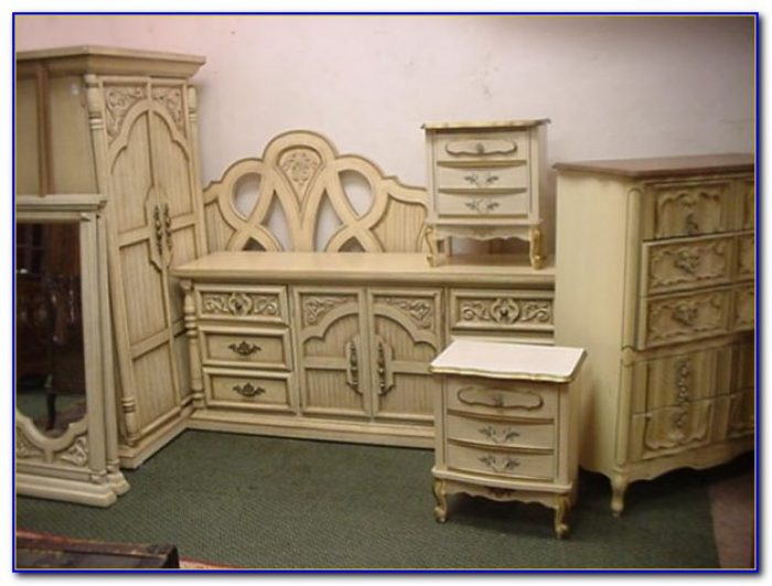 Vintage French Country Bedroom Furniture