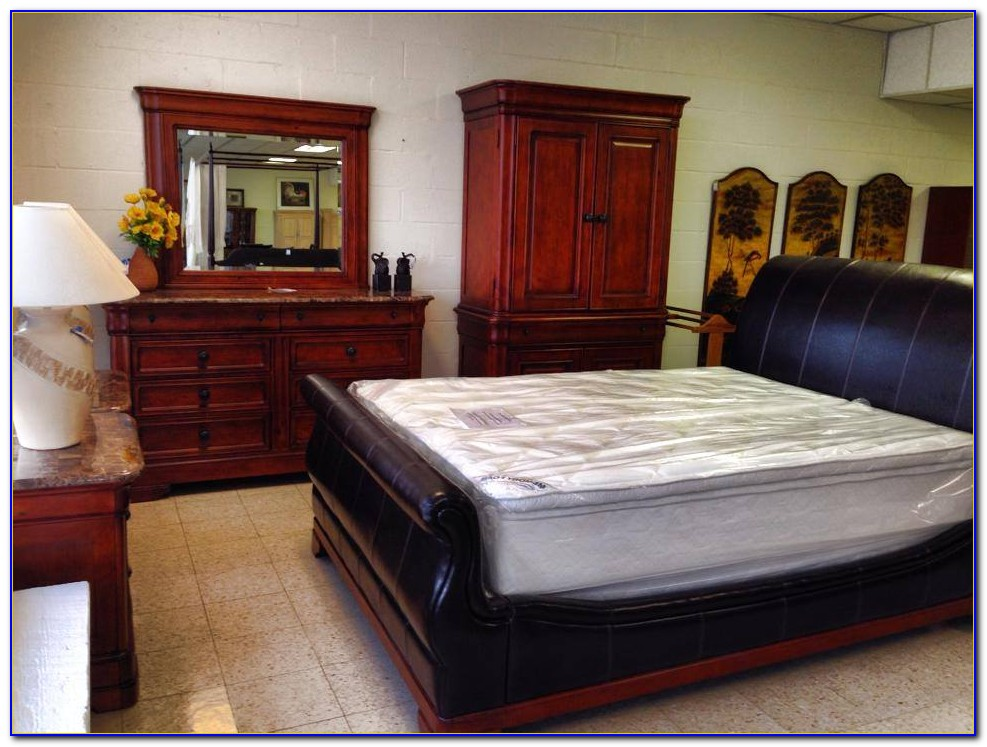 Cindy Crawford Bedding Sets