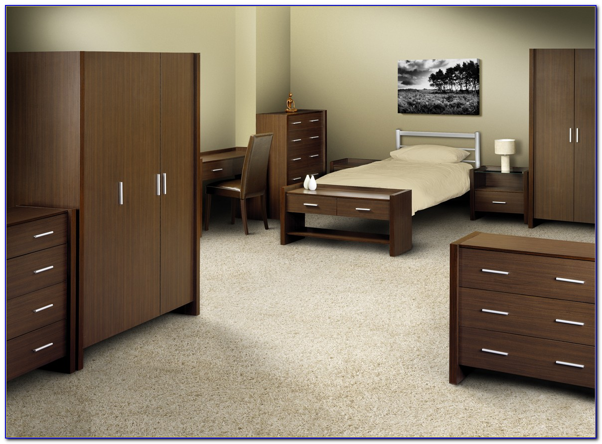 Full Bed Set With Desk