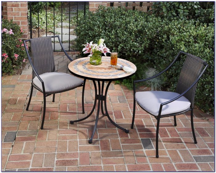 Outdoor Pub Table And Chairs
