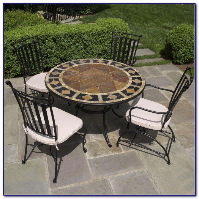Round Outdoor Patio Table And Chairs