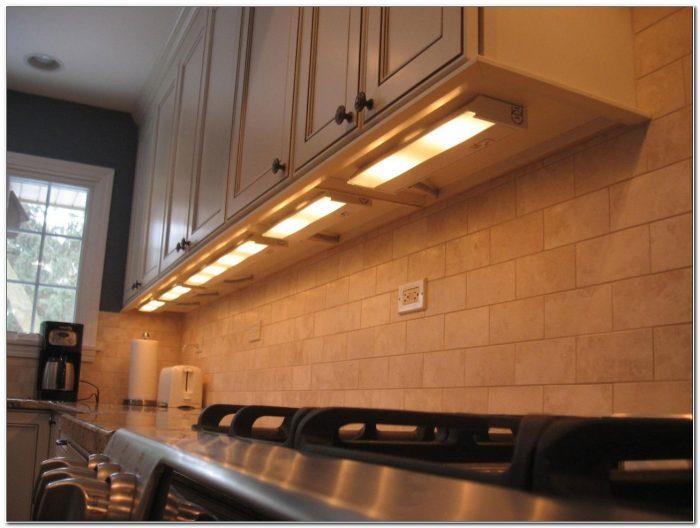 Fluorescent Puck Under Cabinet Lighting