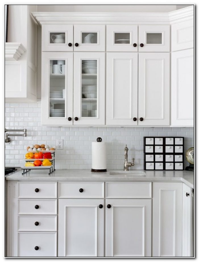 Kitchen Cabinets Door Knobs Placement