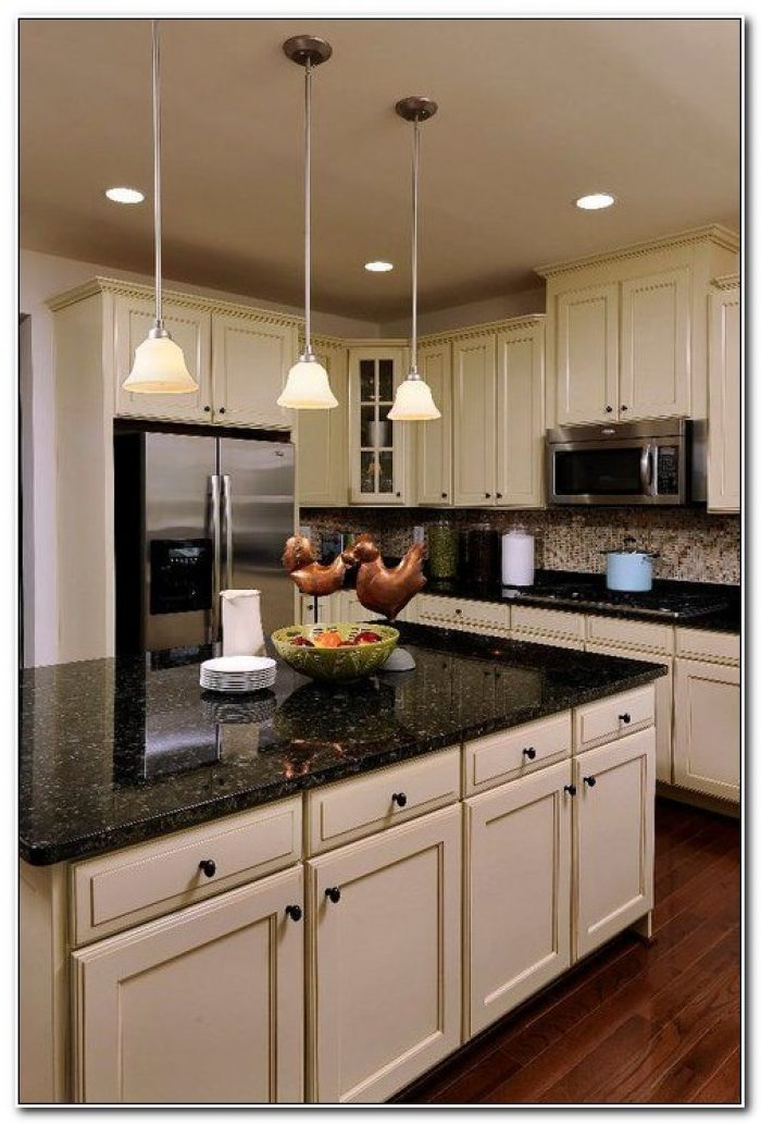 Kitchen Cabinets With Black Countertops