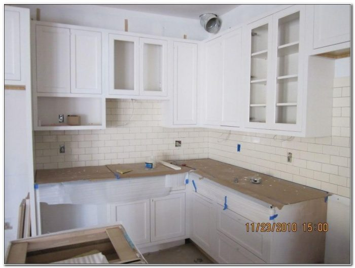 Pulls Vs Knobs Kitchen Cabinets