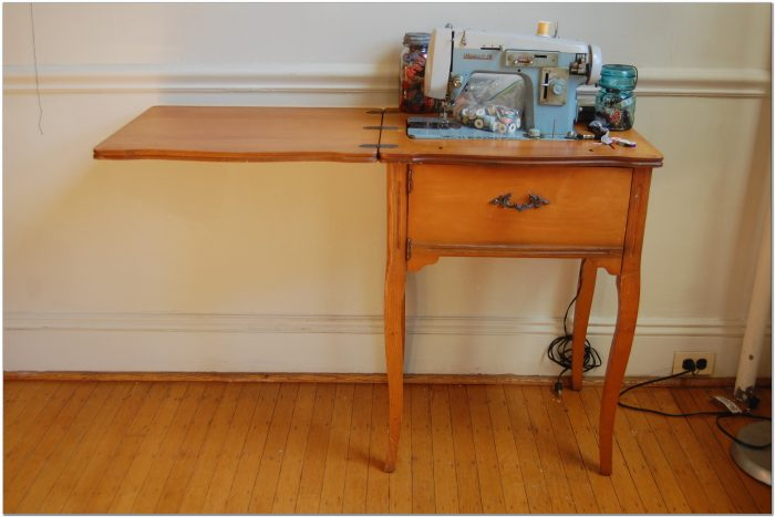 Sewing Machines In Cabinets