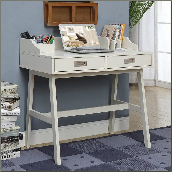 Claysville Writing Desk With Hutch
