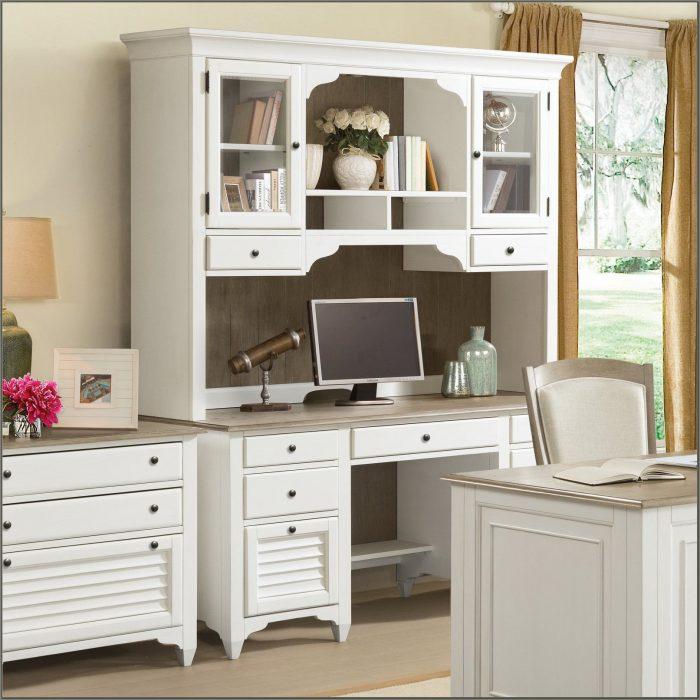 Credenza Desk With Hutch