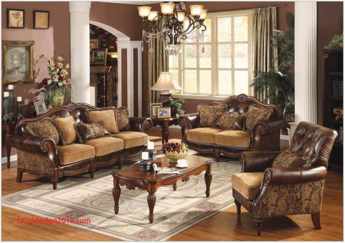 Babcock Furniture Dining Room Sets