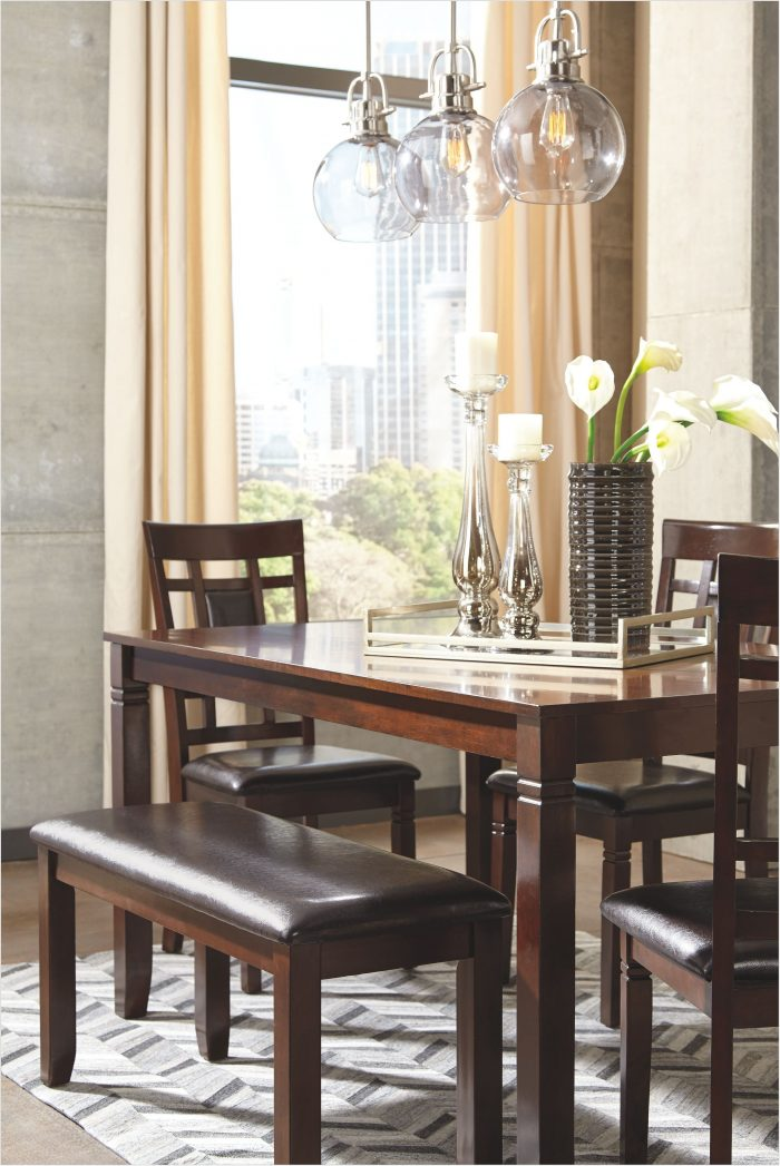 Bennox Dining Room Table And Chairs
