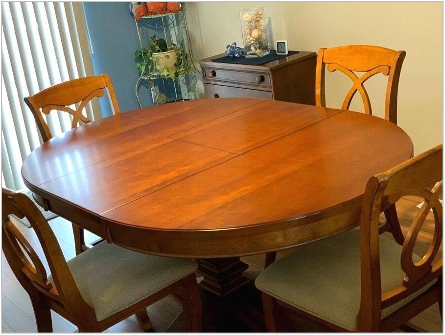 Cochrane Oak Dining Room Set