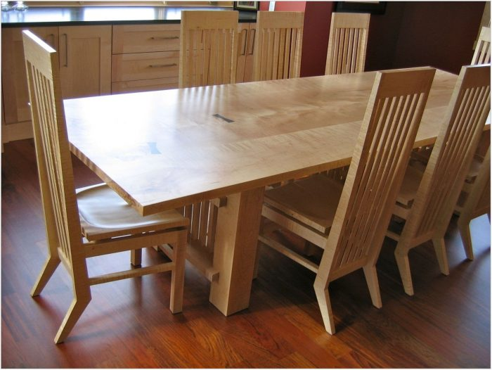 Dining Room Table Maple